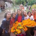 Wir feiern während des Tihar Festes mit unserer wunderbaren Familie Bhai Tikka